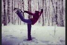 pop YOGA NEIGE / Vivez ou découvrez l'expérience du yoga sur neige, le yoga neige!