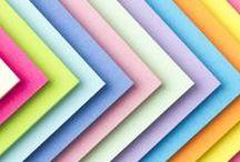 Perfecte Post-it's / Thuis, op kantoor of op school. In het geel, blauw, groen, roze of neon. Klein of groot. Het maakt niet uit waar en hoe je post-it's en notes gebruikt, gebruiken doen we ze allemaal! Hier vind je onze favoriete soorten.