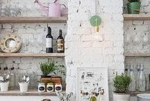 Exposed brick look / Exposed bricks can provide an awesome look for your kitchen.