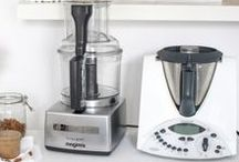Kitchen Equipment / Everything that you need (or want) on your healthy kithchen counter.