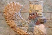 ARKEOLOJİ۩۞۩๑MEZOPOTAMYA / Mezopotamya (Yunanca Μεσοποταμία=Mesopotamia: iki ırmak arasındaki bölge), Ortadoğu'da, Dicle ve Fırat nehirleri arasında kalan bölge. Mezopotamya günümüzde Irak, kuzeydoğu Suriye, Güneydoğu Anadolu ve güneybatı İran topraklarından oluşmaktadır. Büyük bölümü bugünkü Irak'ın sınırları içinde kalan bölge, tarihte birçok medeniyetin beşiği olmuştur. Sümer, Babil, Asur, Akad ve Elam Amoriler,Kassitler,Hurriler,Mitanniler.