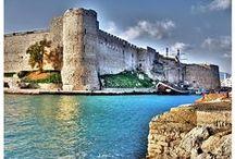 ☾☆ KUZEY KIBRIS ☾☆TÜRK CUMHURİYETİ☾☆DÜNYADAKİ CENNETLER. / ☾☆Kuzey☾☆ Kıbrıs ☾☆Türk ☾☆Cumhuriyeti☾☆Kıbrıs Adası, Akdeniz'in en büyük üçüncü adasıdır ve yıllık ortalama 2.4 milyon turist tarafından ziyaret edilmektedir.BaşkentLefkoşa