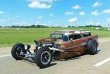 Hots / O mix da beleza do design de carros antigos com a engenharia moderna...