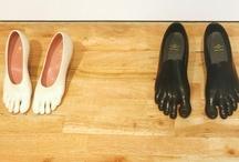 Sapatos e bolsas / by Luiza De Carli
