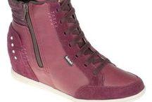 Sneakers na Moda / Os Sneakers invadiram as ruas e a moda street. Vem conferir os modelos disponíveis na Shoebiz.