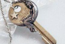 Ключи, замки.