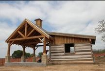 Case Study in Ranch Design / The J5 Horse Ranch, designed by Texas architect Steve Chambers, features a 36 ft. Revolutionary War-era hemlock timber frame barn, forming the living/dining area of the interior. - See more at: http://chambersarchitects.com/cutting-horse-ranch-in-parker-county.html#sthash.h3fULOdP.dpuf
