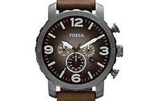 Fossil / Fossil horloges zijn trendy, betaalbare horloges. Sinds 1984 worden de horloges gemaakt. De horloges moesten niet alleen praktisch zijn, maar ook stijlvol en chique.