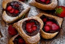 Cakes, Cupcakes & Cookies / by Amanda Chapman