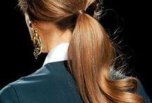 BEAUTIFUL HAIR / Du gris, du blanc, de l'argent, de l'or, de l'auburn, du brun, du roux, etc...