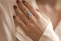 BEAUTIFUL HANDS / Car les mains ont leur caractère, C'est tout un monde en mouvement .... Paul Verlaine.