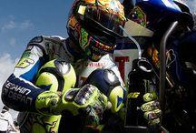 Valentino Rossi / Le foto più belle di Valentino Rossi, dentro e fuori la pista.