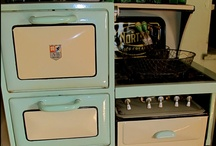Vintage Stoves / by Lynn's Southern Heart