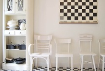 BLACK&WHITE 2-Bedroom Luxury Apartment in Budapest / 5th district, central Budapest 2-bedroom apartment decorated with beautiful, authentic art deco furniture, ideal for 2-4 persons or families.