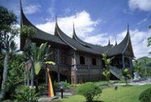 De mooiste cultuur-reizen / Ontdek de indrukwekkende ruïnes van verloren beschavingen, overwoekerd door de jungle, bezoek oude forten uit de VOC-tijd, overnacht in een koloniale villa of op een authentieke thee- of koffieplantage. Voor de mooiste cultuur-reizen kijkt op Original Asia!