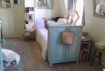 L'atelier customisation et décapage / Ici je donne une nouvelle vie à des objets , des meubles , des lieux ...