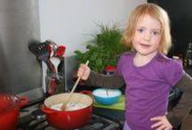 Kids in the Kitchen / Kinderen koken in de keuken.