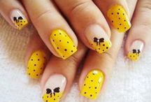 Yellow Nails / Yellow Nails /  Uñas amarillas