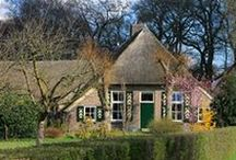 Salland boerderijen / old farmhouses and barns in the Salland regio, Netherlands