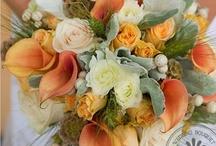 Wedding Flowers & Centerpieces / by Paula Hallinan Ramey