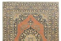 Tappeti Persiani Antichi / Esemplari sempre più rari ed introvabili in perfetto stato di conservazione. Capolavori di un'arte millenaria per arricchire la tua abitazione con emozioni ed atmosfere d'altri tempi