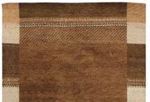 Tappeti moderni / Annodati da abilissimi artigiani la cui esperienza si tramanda da secoli,  tessono tappeti raffinati su disegno originale di stilisti ed Architetti, studiati per soddisfare il gusto dell'arredamento moderno. I tradizionali Gabbeh vengono dal sud dell'Iran e sono i precursori del tappeto moderno caratterizzati da colori vivaci e dal vello alto e morbido.