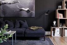 Interior: Wandfarben & Tapeten / Farbige Wände und gemusterte Tapeten bringen Abwechslung! Ideen, wie du deine Wand streichen und tapezieren kannst - grau, braun, schwarz, blau, grün, hell, dunkel, knallig oder eher gedeckt. Verschiedene Muster wie Streifen, Punkte, Florale Muster... Es gibt viele Möglichkeiten, im skandinavischen oder anderen Stilen, klassisch oder modern! Einrichten, Wohnen, Dekorieren, Interieur, Interior Design.