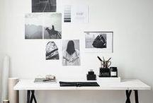Interior: Arbeitsplatz / Interior: Inspirierende Arbeitsplätze, Büros, Home-Offices, Schreibtische einrichten im modernen skandinavischen Wohnstil mit viel Weiß, Grau, Schwarz, Naturtönen, Holz, Designermöbeln, tollen Leuchten, Wanddeko, Organisation und Dekoobjekten.
