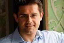 """Roman Horvath MW - Domäne Wachau / Bevor Roman Horvath seine berufliche Heimat in der Wachau fand, war er viele Jahre im Weinhandel tätig und arbeitete auf Weingütern in Chile und Frankreich. 2009 erhielt er als zweiter Österreicher den renommierten Titel """"Master of Wine"""". Seit 2005 ist er Weingutsleiter und Geschäftsführer der Domäne Wachau  Auch privat ist der Familienmensch stark engagiert: die Familie hält den stolzen Ehemann und Vater stets auf Trab. Er ist am 27.11 zu Gast bei Vino Vademecum http://wachau.vinovademecum.com"""