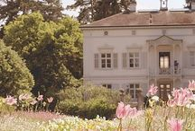 French Homes / There is something about French homes that has always fascinated me!
