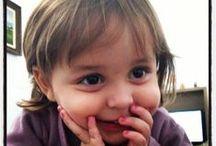Crianças e Fofuras / A pureza dos pequenos nos faz ver o mundo de outra maneira. Com certeza com mais ternura !