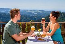 Bier & Kulinarik im Mühlviertel / Das Mühlviertel bietet zahlreiche kulinarische Spezialitäten, wie Leinöl, Bier oder Speck, die darauf warten von Ihnen verkostet zu werden.