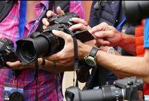Szkolenia medialne / Szkolenia medialne pomagają komunikować się z klientami za pośrednictwem mediów.