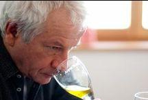 """Best of BIO - Olive Oil 2013 / Die Auswahl der besten Bio-Produkte: eine innovative Idee der BIO-Hotels. Das Angebot an Bio-Produkten ist mittlerweile groß, die Auswahl der hervorragenden Produkte aus biologischer Erzeugung eine Herausforderung, der sich die BIO-Hoteliers gerne stellen. Dabei steht die Kundenerwartung ganz im Vordergrund. Deshalb haben die BIO-Hoteliers auch ein eigenes System zur Weinverkostung entwickelt.  Das Ziel ist klar: Gästen der BIO-Hotels nur das Beste vom Besten zu bieten, eben """"Best of Bio""""."""