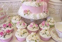 Cakes / Too beautiful to eat.