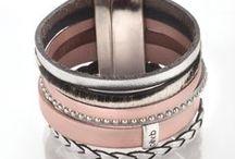 Manchettes en cuir / Manchettes en multi liens de cuir et fermoir métal argenté Disponible ici : www.olivb.fr