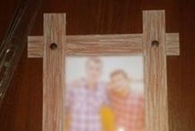 Resim Çerçevesi / Ücretsiz ve üstelik dilediğiniz boyuttaki fotoğraflarınız için mukavvadan çerçeve  Malzemeler (Materials)  4 Raptiye (Pin) İhtiyacınız kadar mukavva (You need up cardboard)