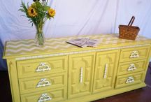 Chalk Paint ® | English Yellow / Collection of pieces painted with Annie Sloan Chalk Paint® in English Yellow!