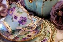 Vintage Floral / The beauty of flowers from the past can complete the present.