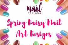 Spring Daisy Nail Art Designs / Loving the spring season? Show it in your nails too with our dose of nail inspiration.