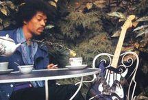 Rail de musique / Tous le matins Je prend un bol de musique Et une tasse aussi Ensuite j'enfile une partition....