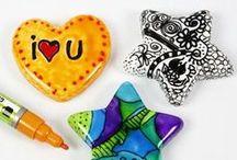 DIY Porzellan- & Glasmalerei / Hier sammeln wir für Euch alle Anregungen rund um die Gestaltung von Glas, Porzellan und Keramik - von Objekten, die Kinder bemalt haben bis hin zu kunstvoll gestalteten Gegenständen. Schaut immer mal wieder rein - es lohnt sich ;-))