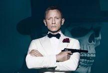 007 Spectre / Un messaggio criptico dal passato di Bond porta l'agente 007 a seguire una pista per smascherare una minacciosa organizzazione. Mentre M lotta contro le forze politiche per tenere in vita i servizi segreti, Bond tenterà di aggirare numerosi inganni e svelare la terribile verità che si cela dietro SPECTRE. Dal 5 novembre al cinema.