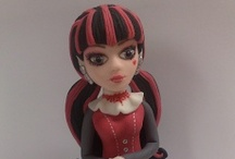 "DRACULAURA (MONSTER HIGH) FONDANT FIGURE / DRACULAURA (MONSTER HIGH DOLL) FONDANT FIGURE BY STUDIO ""FONDANT DESIGN ANA"" / by Figurice Za Torte"