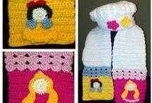 crochet Bufandas, mitones, ponchos, capas y cuellos / by Lizette Montalvo Flores