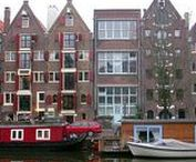 Amsterdam / Amsterdam's top attractions for tourists with reviews and essential travel advice. Find the best hotels, hostels, landmarks, monuments, museums, restaurants theaters, and day trips to other destinations in Holland, as well as recommended tours and itineraries.