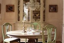 Dining Rooms / Inspiring dining spaces using European antiques.