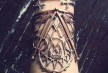 MUI: Adornments / A Sorceress' Jewelry...