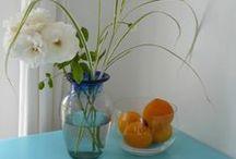 Bloemen in vazen / Bloemen uit eigen tuin in de vaas gezet.