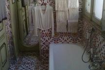 bathroom love / by Bee Deeley